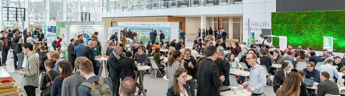 Viele Besucher beim Summit Umweltwirtschaft