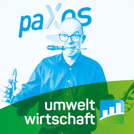 Peter Hakenberg mit Schraubenzieher und Zange